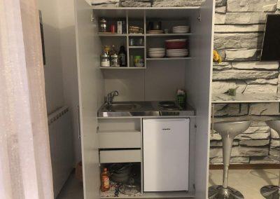 Armadio Cucina Attrezzato in monoloca con uso cucina