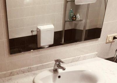 Camera Matrimoniale privata con Idromassaggio e doccia Assisi